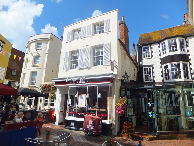 PRIME SHOP/CAFE TO LET<BR> WITHIN GRADE II LISTED BUILDING