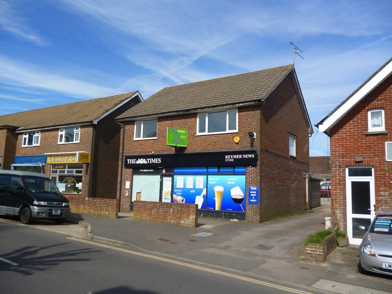 FREEHOLD RETAIL PROPERTY WITH LIVING ACCOMMODATION ABOVE<br>BENEFITTING FROM VACANT POSSESSION