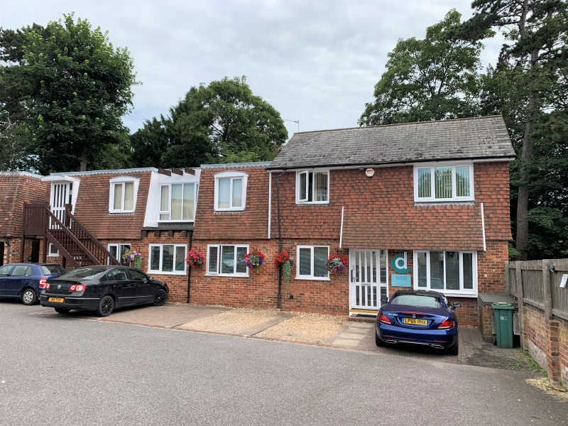 Town centre office suite letting