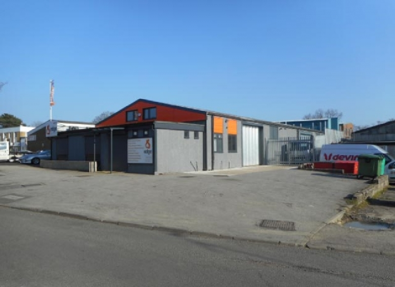 SELF-CONTAINED TRADE COUNTER  WAREHOUSE/FACTORY BUILDING - 6,818 SQ FT